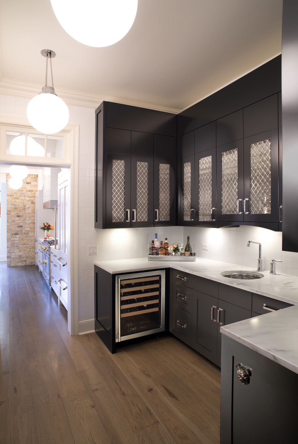 30 Sophisticated Black Kitchen Cabinets - Kitchen Designs With Black ...