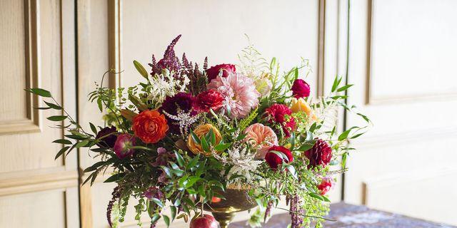 christmas flower arrangements  winter holiday flower arranging, Beautiful flower