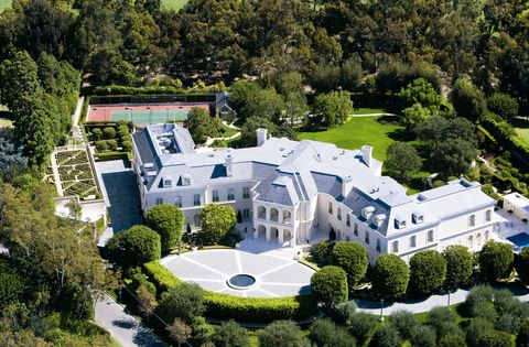 Plant, Property, Tree, Landscape, Building, Real estate, Garden, Facade, House, Mansion,