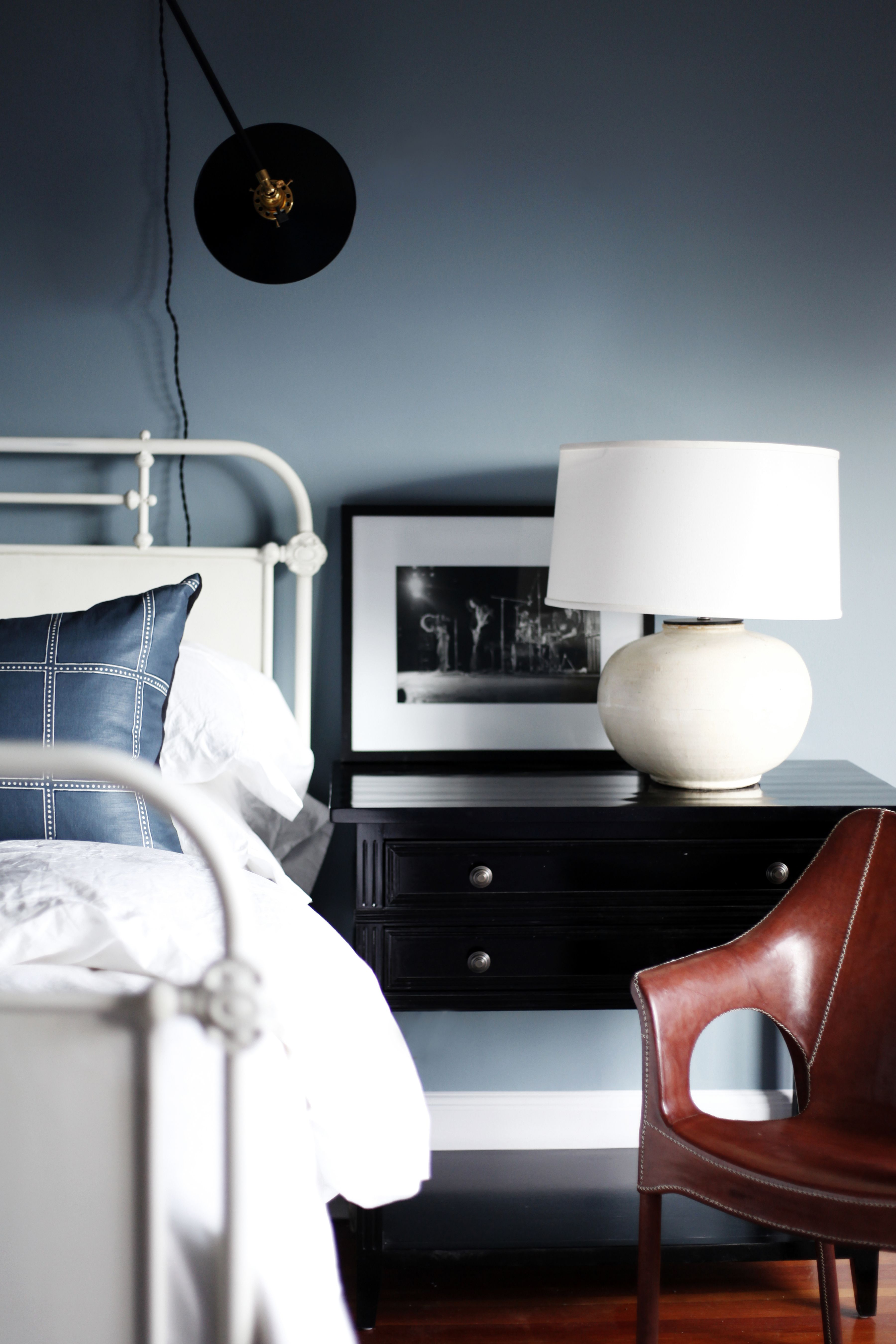 35 Bedside Tables That Bring Functional Style To Your Bedroom S Decor