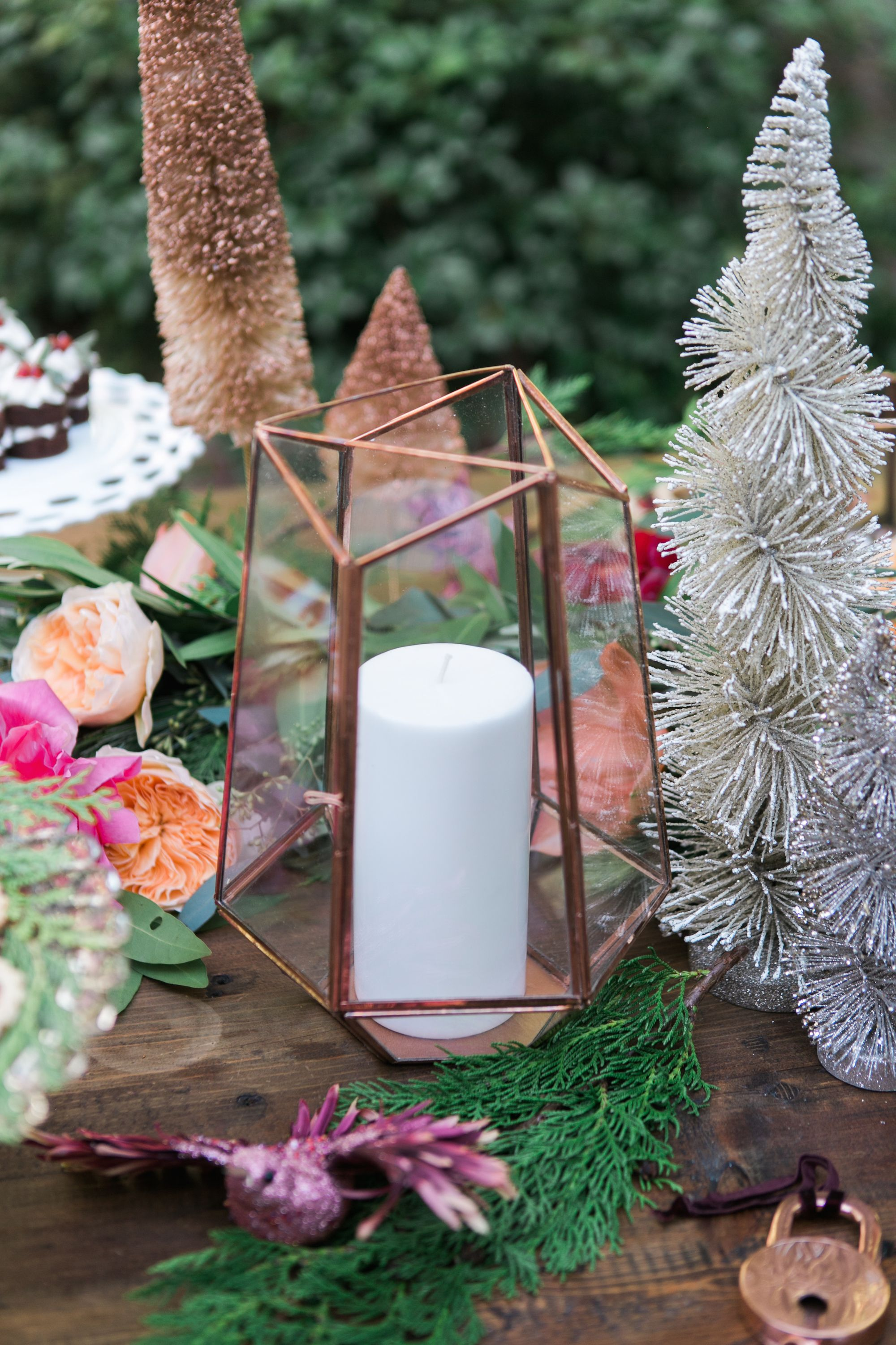 15 Best Christmas Table Decorations Ideas For Holiday Dinner
