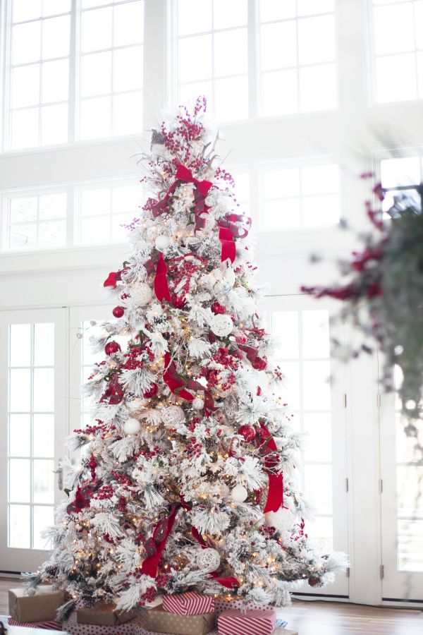 stunning christmas tree ideas 2018 best christmas tree decorating tips - White Christmas Tree With Red And Gold Decorations