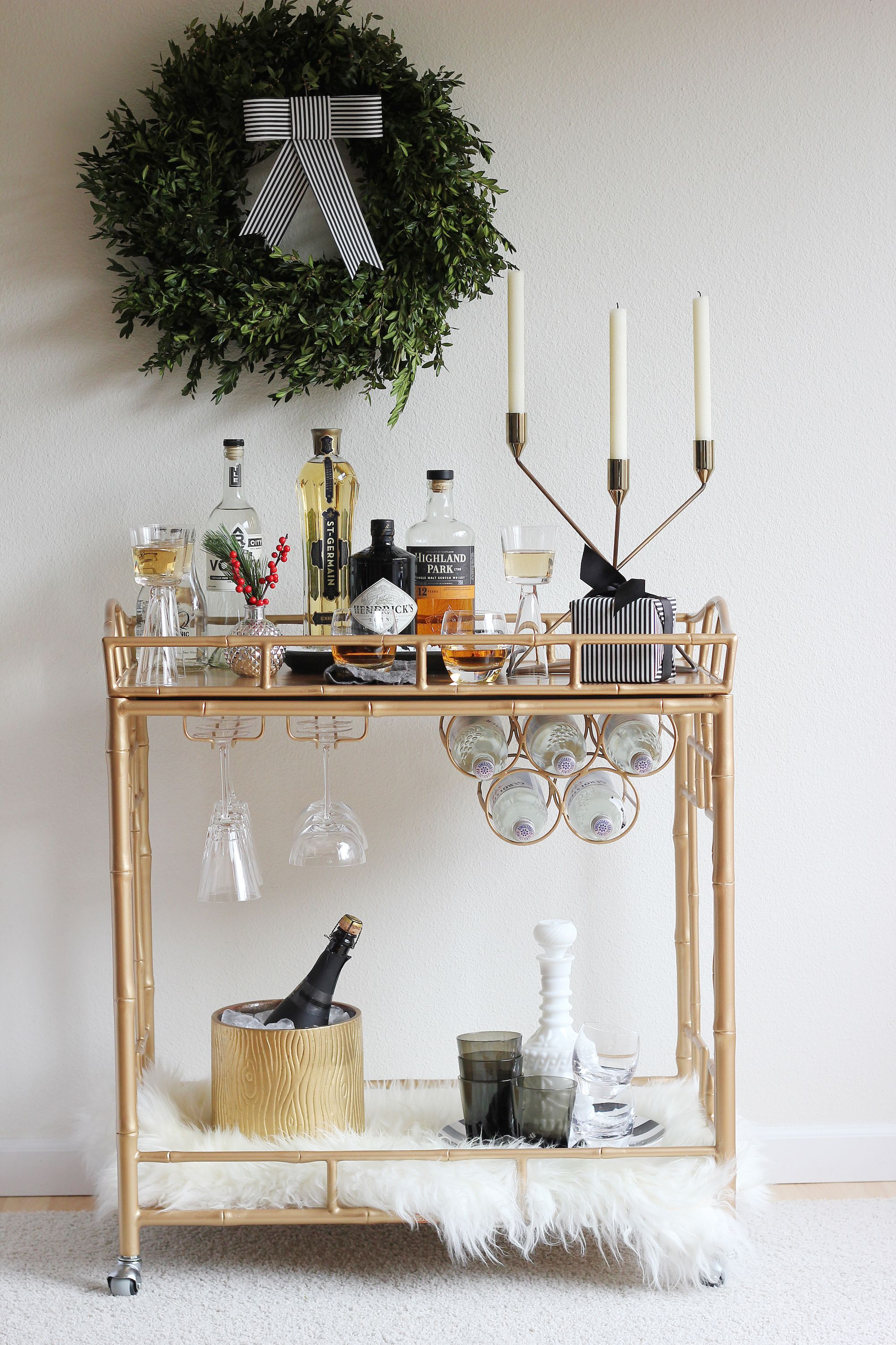 20+ Best Holiday Decorating Ideas For Small Spaces - Christmas Decor For  Small Space Living