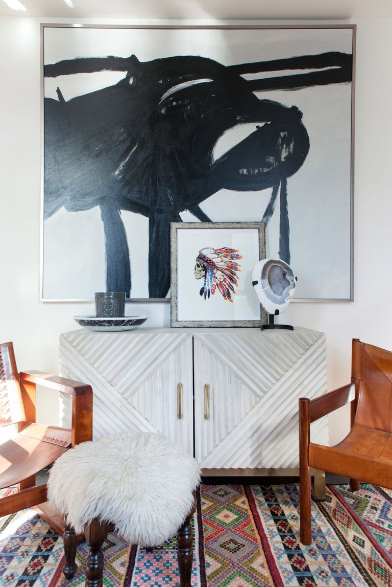 10 Best Ways To Display Souvenirs - Worldly Eclectic Style In A New ...