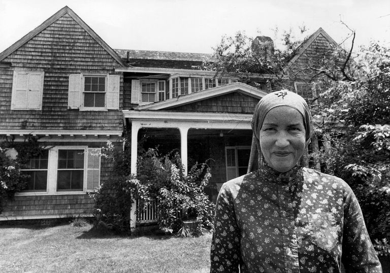 grey gardens    rent stay  jackie kennedys