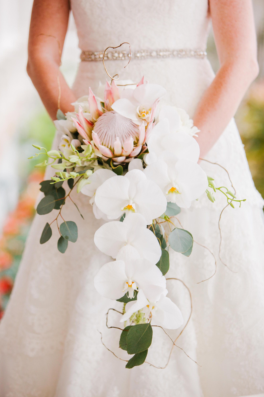 30 Best Wedding Flower Bouquets - Chic Ideas for Bridal Flower ...
