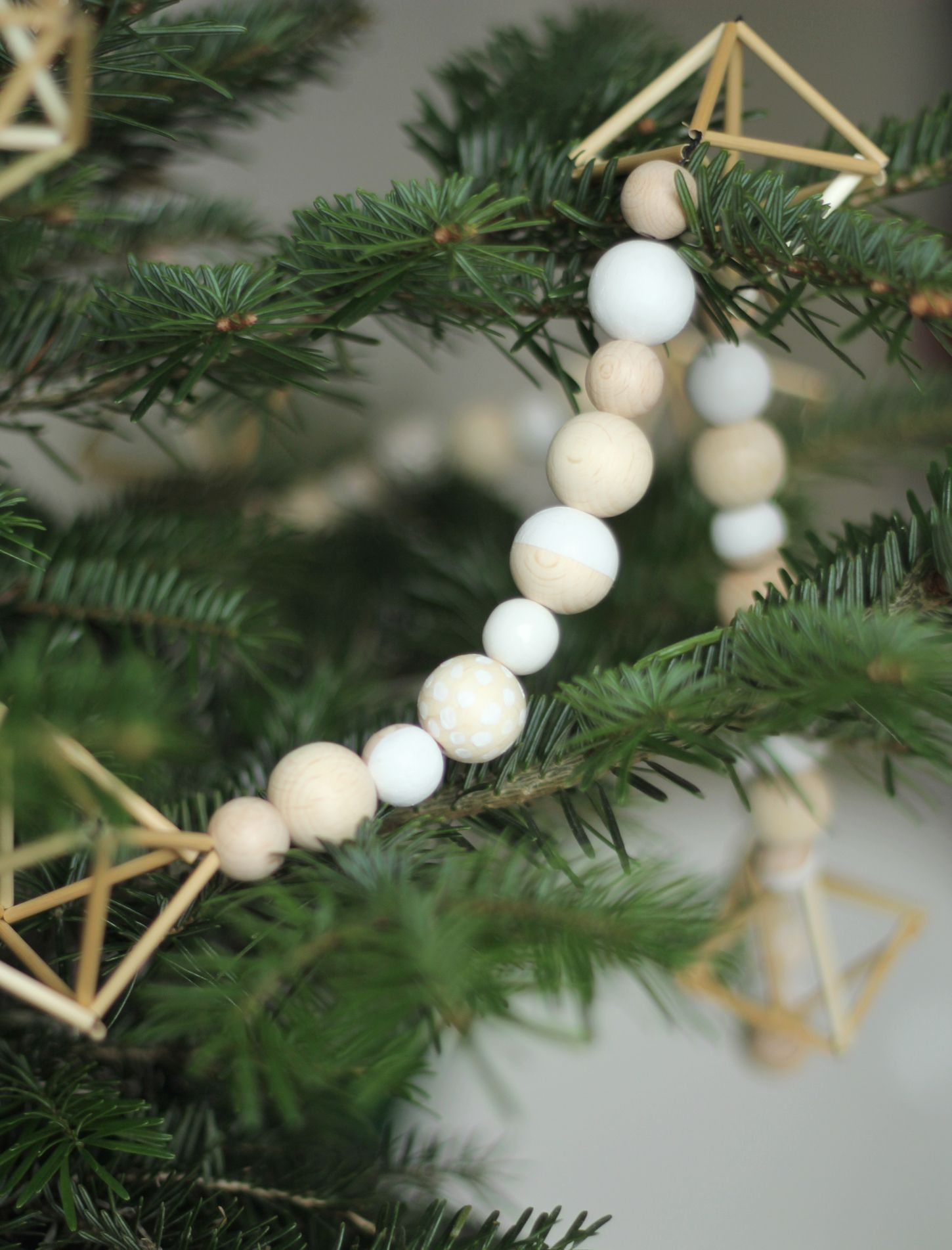 15 minimalist christmas decor ideas - Minimalist Christmas Decor
