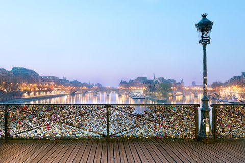 Pont des Arts bridge locks