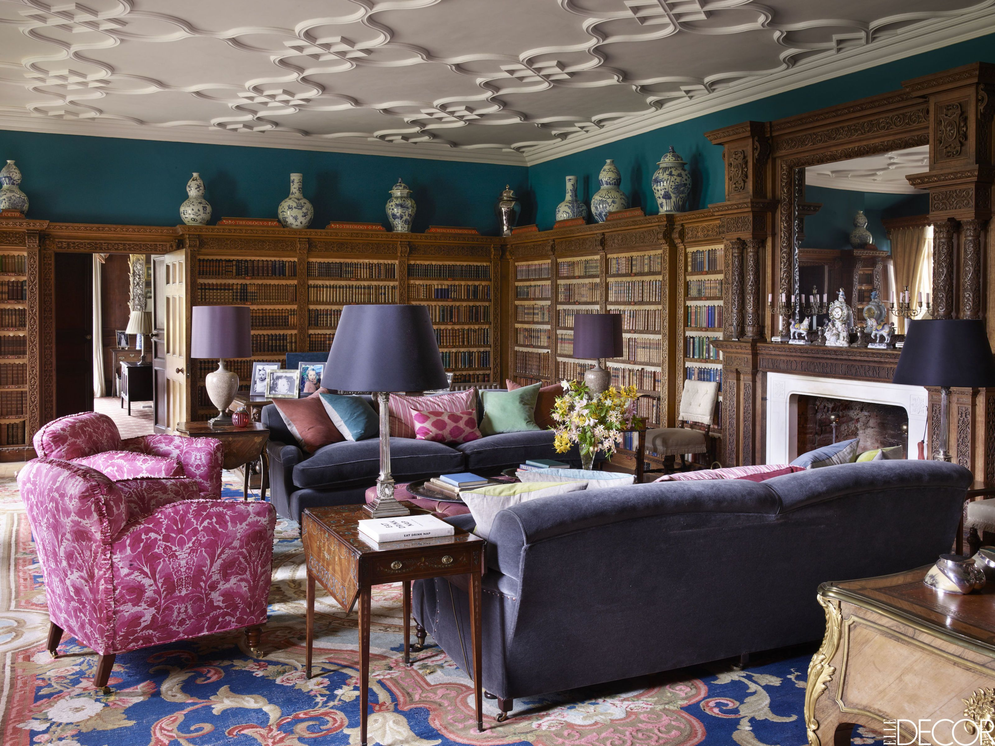 HOUSE TOUR: A Historic English Estate That Combines Traditional Elements  With Fresh Accents