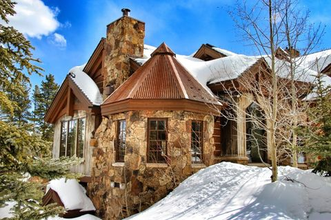 Winter, Property, House, Roof, Home, Snow, Building, Real estate, Residential area, Freezing,