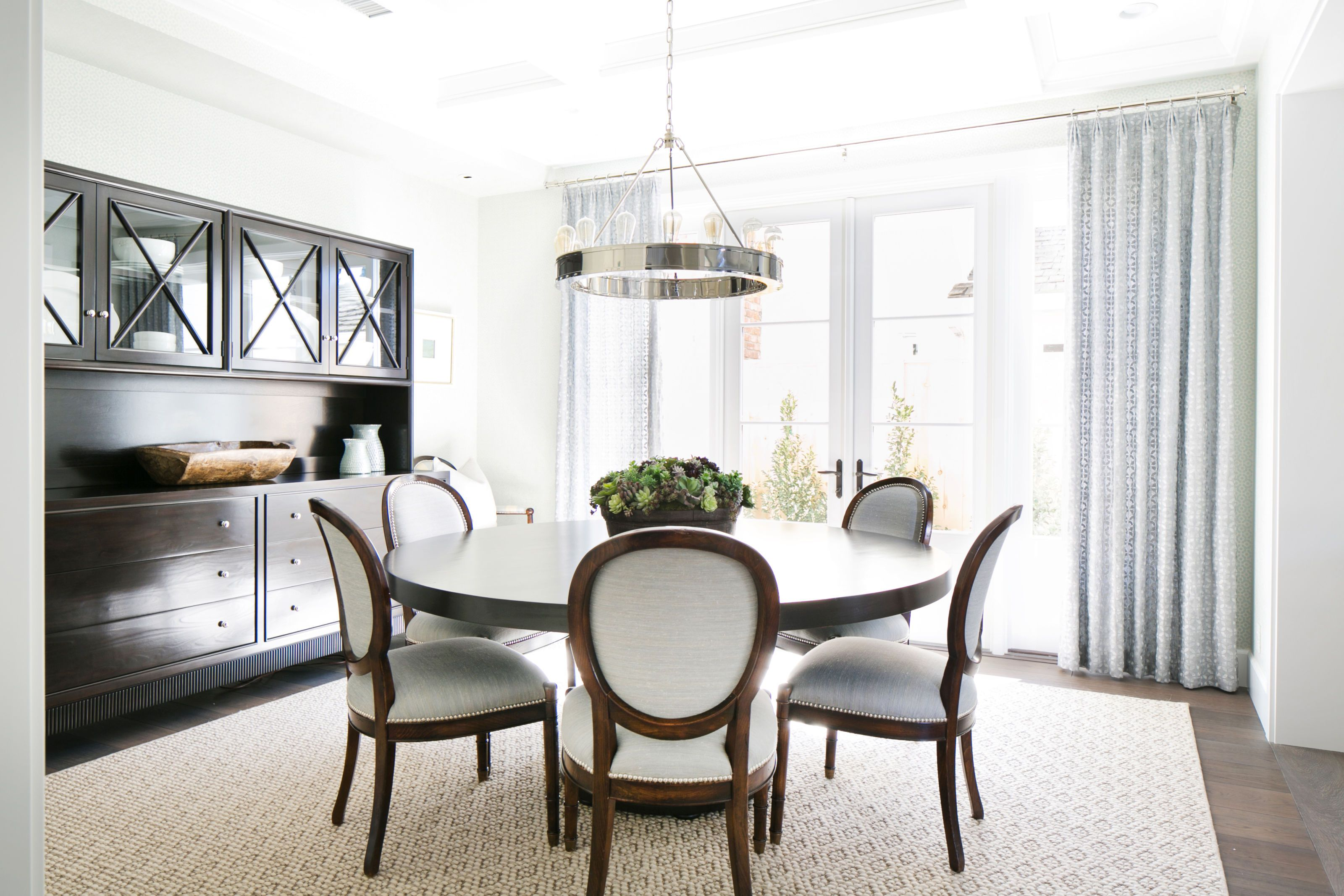 Round Dining Room Tables With Leaf Restaurant Interior Design - Black round dining room table with leaf