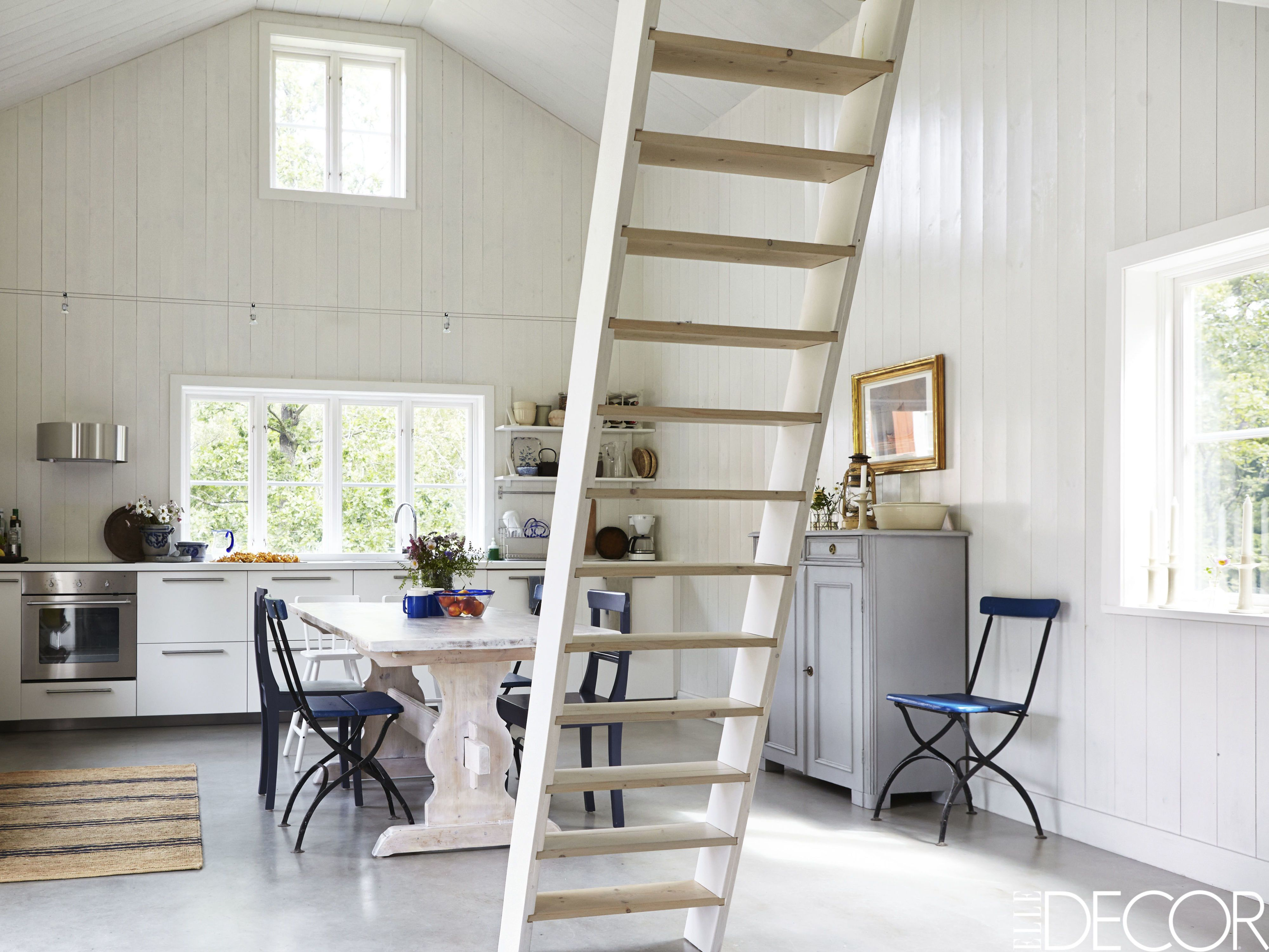 HOUSE TOUR: A Rustic And Minimalist Cottage Is A Lesson In Scandinavian  Design