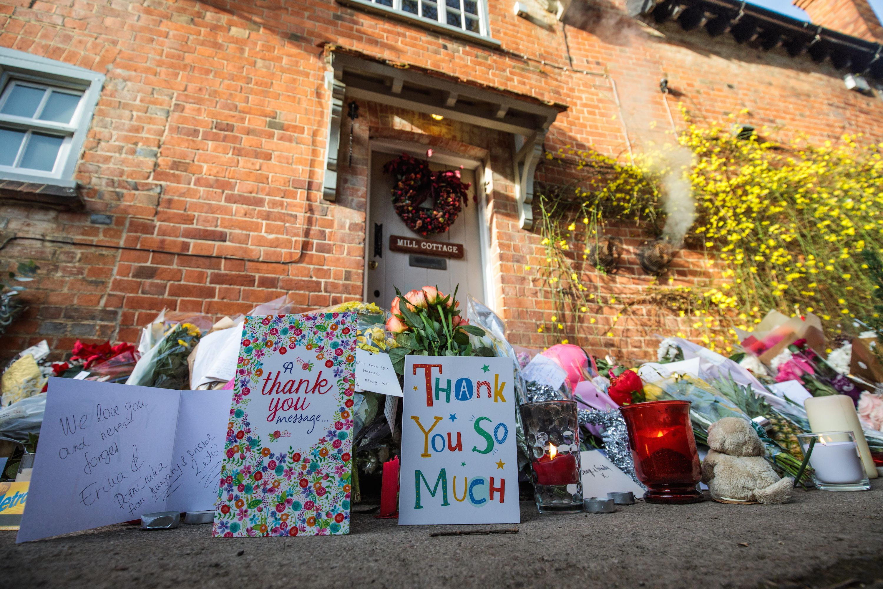 George Michael Tributes At His London And Goring Homes S In England