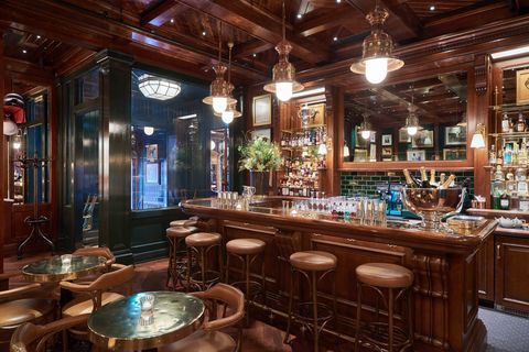 Lighting, Interior design, Barware, Room, Ceiling, Glass, Interior design, Light fixture, Drinking establishment, Tavern,