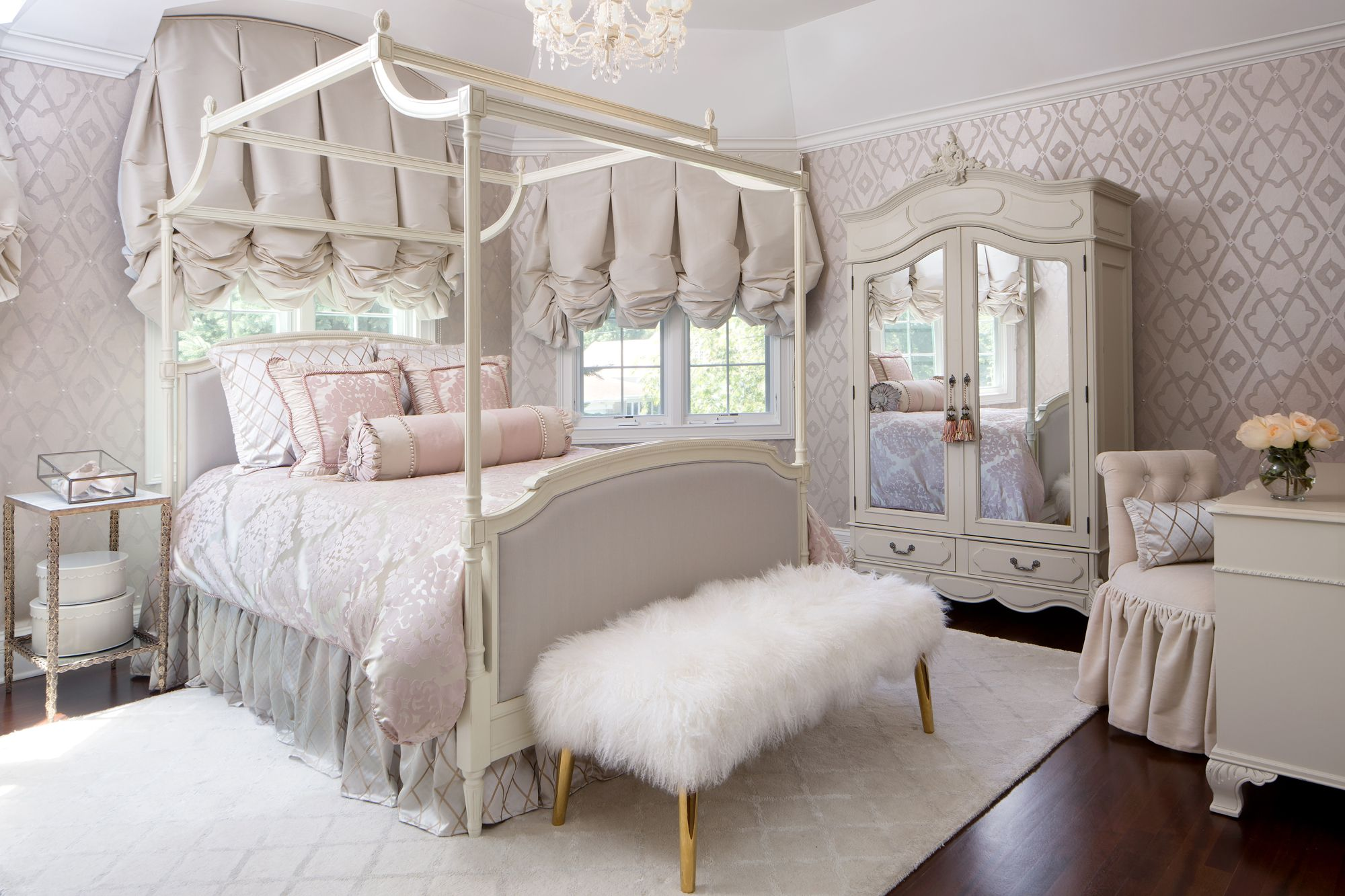 & 40 Best Canopy Bed Ideas - Four Poster Beds