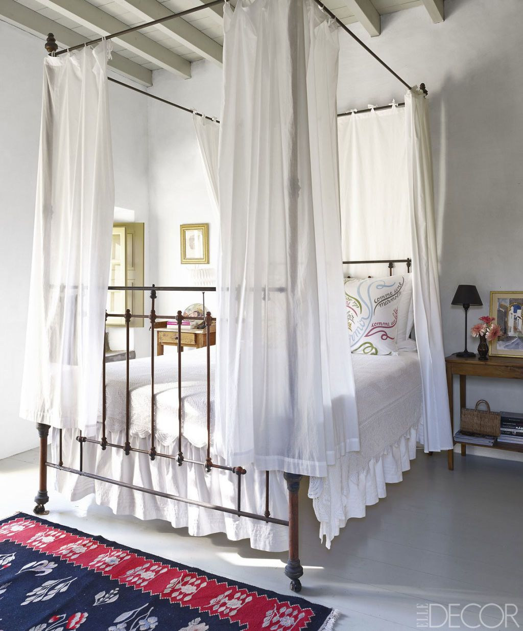 25 Canopy Bed Ideas Modern Canopy Beds And Frames