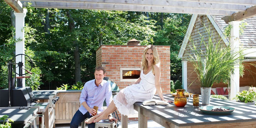 bobby flay  u0026 stephanie march hamptons house