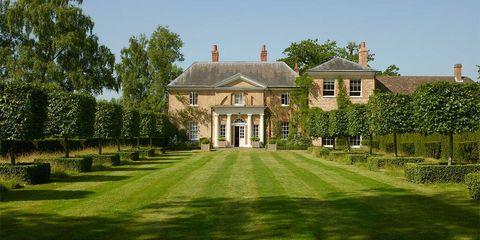 Plant, Property, House, Building, Land lot, Real estate, Home, Garden, Villa, Manor house,