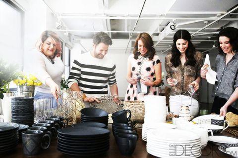 Flowerpot, Dishware, Plate, Cooking, Houseplant, Bowl, Fashion design, Scarf, Basket,
