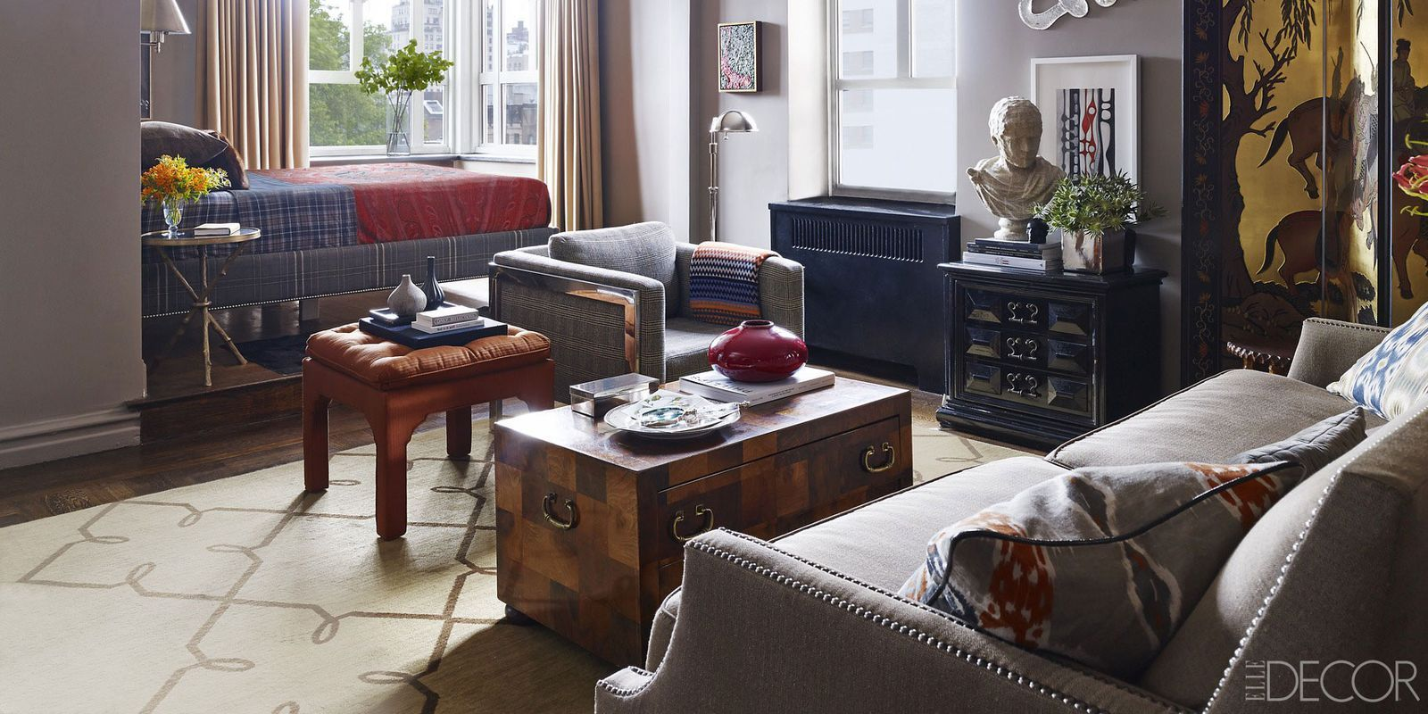 Inspired By His Favorite Film Noir, An Advertising Executive Transforms His New  York Studio Apartment Into A Swank Sanctuary That Comes Alive At Cocktail  ...