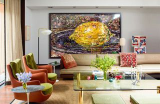 In the townhouse renovation for art lovers