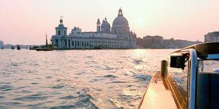 Waterway, Watercraft, Dome, City, Boat, Channel, Landmark, Dome, Byzantine architecture, Travel,
