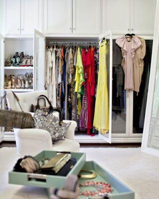 Room, Clothes hanger, Shelving, Shelf, Boutique, Home accessories, Closet, Collection, Retail, Fashion design,