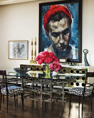 Room, Petal, Flower, Interior design, Table, Paint, Picture frame, Bouquet, Interior design, Flower Arranging,