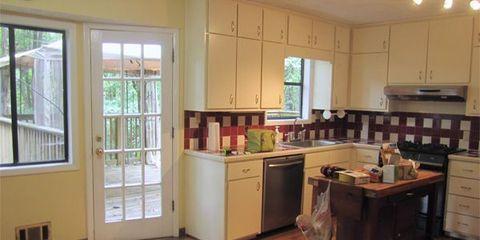 A Tired Kitchen Gets a Fresh New Look in This Stunning Makeover