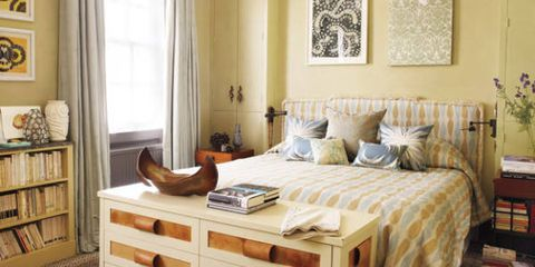 end of bed decor how to style the foot of the bed rh elledecor com foot of bed ottoman foot of bed furniture