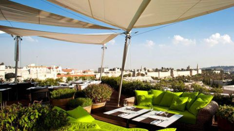 Property, Real estate, Couch, Shade, Coffee table, Apartment, studio couch, Daylighting, Living room, Outdoor furniture,