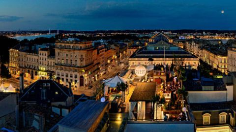 City, Town, Architecture, Metropolitan area, Urban area, Roof, Facade, Public space, Landmark, Metropolis,