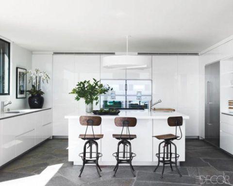 Room, Floor, Interior design, Flooring, Wood, Property, Wall, Furniture, Home, Cupboard,