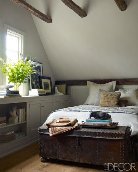 Room, Interior design, Bed, Wall, Bedding, Ceiling, Linens, Bedroom, Flowerpot, Home,