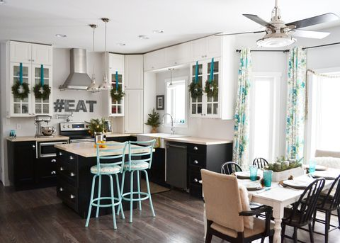 Holiday House Tour: Teal and Green create an unexpected holiday color combination