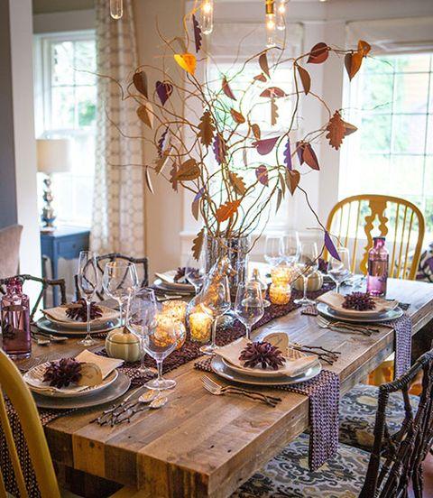 Room, Serveware, Interior design, Furniture, Table, Tablecloth, Dishware, Tableware, Interior design, Dining room,
