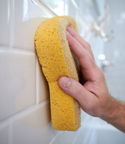 cleaning bathroom grout