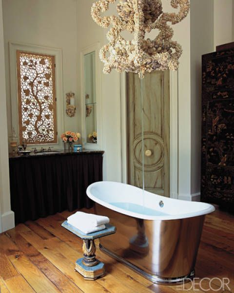 Wood, Interior design, Floor, Property, Room, Hardwood, Flooring, Light fixture, Wall, Table,