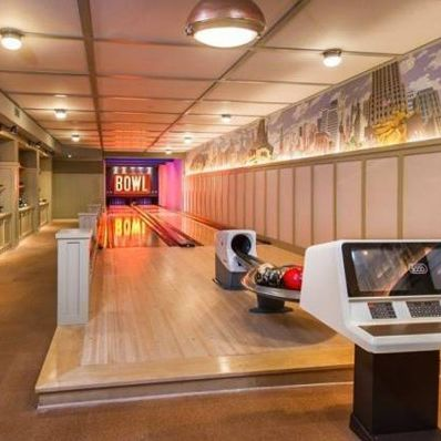 lady gaga bowling alley