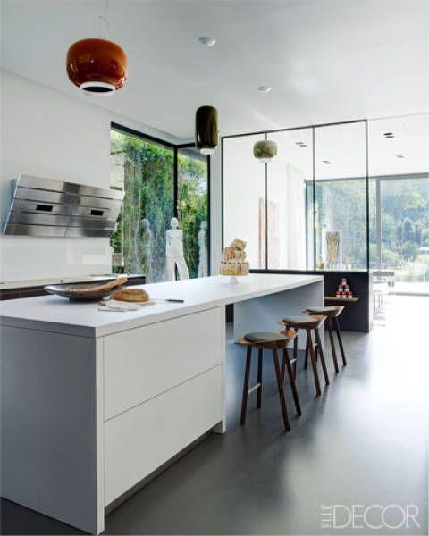 dcor de cuisine cuisine couleur ivoire avec bar style. Black Bedroom Furniture Sets. Home Design Ideas