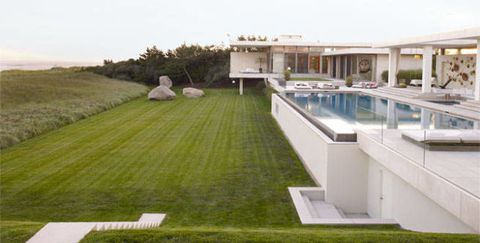 kelly behun's home and pool in the hamptons