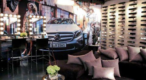 Automotive design, Grille, Mercedes-benz, Personal luxury car, Luxury vehicle, Headlamp, Flowerpot, Alloy wheel, Bumper, Couch,