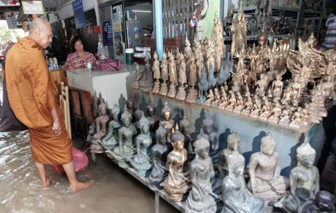 Sculpture, Temple, Collection, Customer, Carving, Souvenir, Statue, Stone carving, Trade, Market,