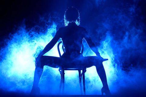 Leg, Human body, Human leg, Electric blue, Knee, Majorelle blue, Darkness, Art, Back, Cobalt blue,