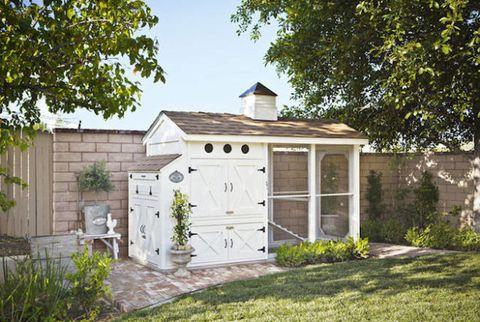 Wood, Property, House, Door, Real estate, Residential area, Land lot, Garden, Fixture, Roof,