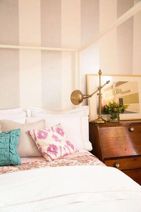 Room, Bed, Interior design, Textile, Wall, Bedding, Linens, Bedroom, Bed sheet, Furniture,