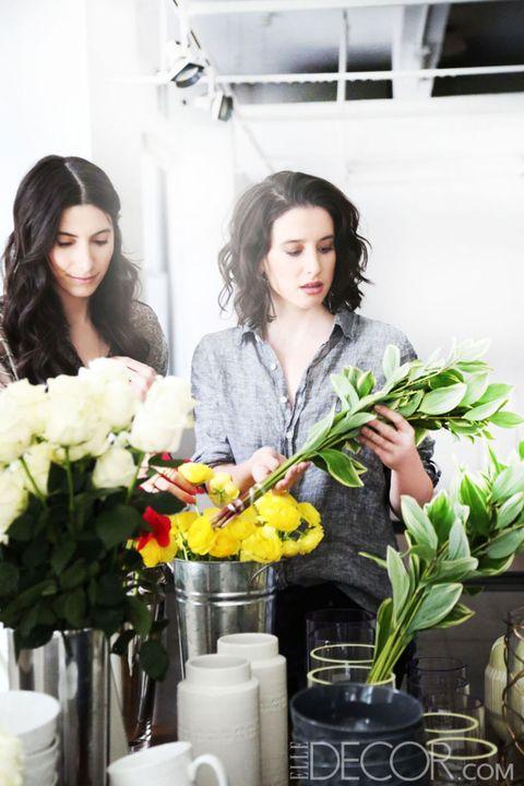 Flower, Bouquet, Petal, Cut flowers, Flower Arranging, Floristry, Flowering plant, Floral design, Artifact, Vase,