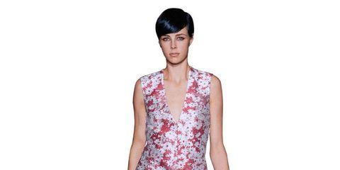 Leg, Sleeve, Human leg, Shoulder, Joint, Dress, Standing, One-piece garment, Style, Day dress,