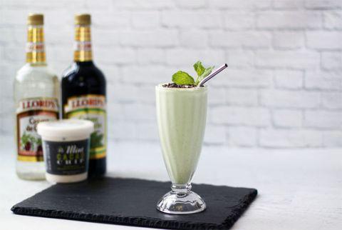 Drink, Bottle, Liquid, Drinkware, Glass bottle, Alcoholic beverage, Alcohol, Logo, Distilled beverage, Ingredient,
