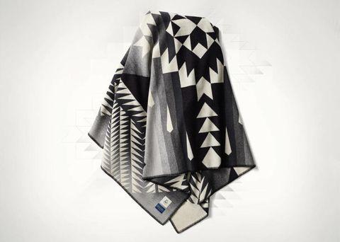 Sleeve, Collar, Textile, White, Style, Pattern, Monochrome photography, Black-and-white, Visual arts, Fashion design,